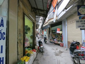 Narrow back street in Ha Noi.